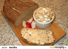 Pomazánka ze škvarků recept - TopRecepty.cz Pudding, Food, Custard Pudding, Essen, Puddings, Meals, Yemek, Avocado Pudding, Eten