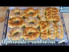 Greek Tsoureki Buns with Olive Oil (Fasting Recipe) - Eggless and Butterless Easter Recipes, Rice Recipes, Orange, Sweet Bread, Going Vegan, Bagel, Olive Oil, Healthy Eating, Buns
