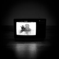 benoit courti  backlit old television