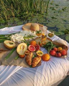 Cute Food, Good Food, Yummy Food, Food N, Food And Drink, Picnic Date, Aesthetic Food, Healthy Recipes, Aesthetics