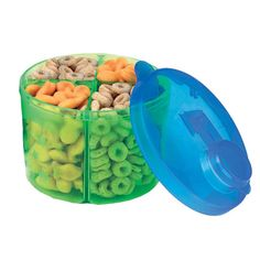 Snack Dispenser - Feeding on the Go. Perfect for kiddos and parents alike to keep your own healthy snacks when you're on the go to after school activities. #WeePLAN