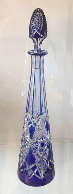 Online veilinghuis Catawiki: Baccarat - kobalt blauwe geslepen karaf uit de Tsaar serie