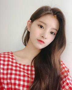 Image may contain: 1 person, closeup Close Up, Gfriend Sowon, Yuehua Entertainment, Grunge Girl, My Princess, New Girl, Ulzzang Girl, Korean Girl Groups, Photo Cards
