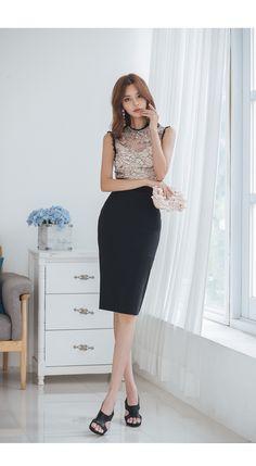 New korean style fashion. Basic Outfits, Korean Outfits, Office Fashion, Work Fashion, Style Fashion, Korean Fashion Trends, Asian Fashion, Korean Beauty, Asian Beauty