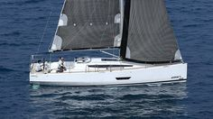 Elan 400 Sailing Yachts, Sailing Ships, Boat Brands, Sailboats, Ponds, Swan, Cruise, Modern, Design