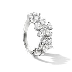 Folie des Prés ring, white gold, round and pear-shaped diamonds; diamond quality DEF, IF to VVS. About the collection: To celebrate the natural beauty of wildflowers, Van Cleef & Arpels has created the lively elegant Folie des Prés collection.