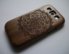 Hey, I found this really awesome Etsy listing at https://www.etsy.com/listing/182044132/mandala-wood-samsung-galaxy-s4-case