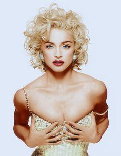 Madonna by Patrick Demarchelier / 1990 via robertocustodioart and dubstepcholla Madonna Vogue, Madonna Young, Madonna Hair, Madonna Fashion, Madonna Photos, Lady Madonna, Madonna 80s, 80s Fashion, Patrick Demarchelier