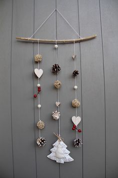 Yahoo Recherche d'images Diy Christmas Decorations For Home, Diy Christmas Garland, Easy Christmas Crafts, Farmhouse Christmas Decor, Homemade Christmas, Simple Christmas, Navidad Simple, Navidad Diy, Theme Noel