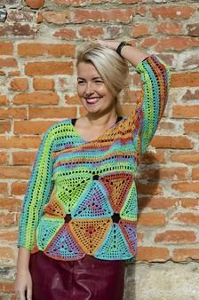 Shine in this beautiful crochet blouse with triangle patterns. Wear it with jeans, a skirt or make it the main piece of your outfit with its happy colors. Made out of cotton and acrylic yarn, the blouse is fashionable for any cold season. Triangle Pattern, Crochet Blouse, Happy Colors, Handmade Items, Handmade Gifts, Beautiful Crochet, Marketing And Advertising, Trending Outfits, Etsy