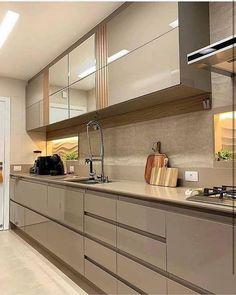 Kitchen Design Small, Kitchen Backsplash Designs, Kitchen Decor Apartment, Kitchen Modular, Kitchen Interior Design Decor, Kitchen Pantry Design, Kitchen Room Design, Interior Design Kitchen, Kitchen Furniture Design