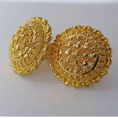 Gold Rings Jewelry, Jewelry Design Earrings, Gold Earrings Designs, Pendant Earrings, Fashion Earrings, Jewelry Art, Stud Earrings, Gold Bangles Design, Gold Jewellery Design