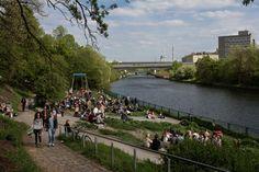 Sonntag, 03.05., 15:00 Uhr – Wedding, Nordufer: Weddingmarkt-Publikum. © Till Rimmele