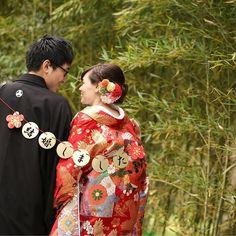 撮影アイテムにもこだわって、ガーランドも和風なものに(*^ω^*)#京都 #和婚 #前撮り #和装 #プレ花嫁 #色打掛 #ヘアメイク #髪飾り #和装小物 #ガーランド #竹林 #花嫁和婚