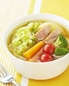 ■千切りキャベツのスープ野菜■  野菜がたっぷり!あったかスープで心もカラダもポカポカ♪寒い季節にうれしいレシピです。