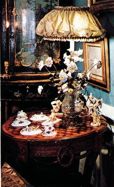 The Peak of Chic®: Iris Apfel, Visual Gourmet French Living Rooms, First Blog Post, Magnifying Glass, Architectural Digest, Chinoiserie, Old World, Interiors, Interior Design, Decorating Ideas