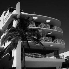 ATTENTION: The deadline for all applications for Miami Design Preservation League's Art Deco and MiMo Tour Guide Academy are due tomorrow November 4th!  Are you interested learning more about Art Deco and Miami Modern Architecture? Would you like to becom