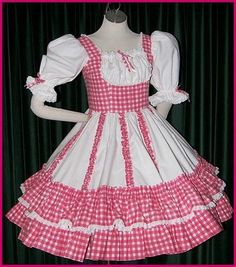 A square dance is a dance for four couples (eight dancers) arranged in a square, with one couple on each side, facing the middle of the square. Girls Dance Costumes, Dance Outfits, Dance Dresses, Girl Outfits, Girls Dresses, Frock Patterns, Doll Dress Patterns, Square Skirt, Circle Skirt Tutorial