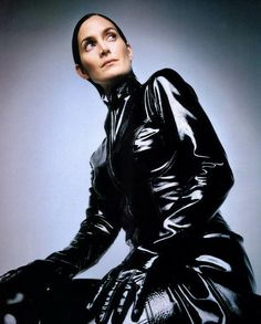 Carrie Anne Moss hot photo