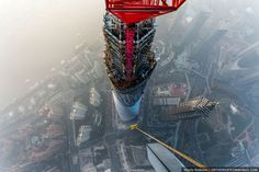 The Crazy Duo that Scaled the World's 2nd Tallest Building also Took some Amazing Photos