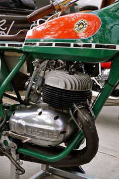 Bultaco - always loved the elegant balance and form of Spanish two stroke engines Motorcycle Images, Retro Motorcycle, Vintage Motocross, Motorcycle Design, Bultaco Motorcycles, Cool Motorcycles, Vintage Motorcycles, Brat Cafe, Bike Poster