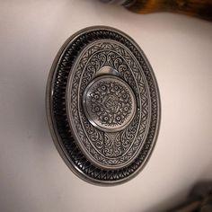 Hand engraved, bolt action rifle pistol cap,