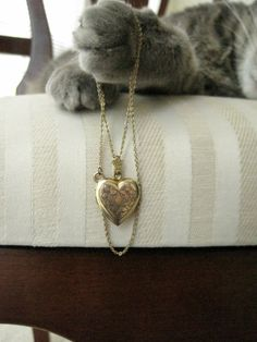 heart locket - vintage