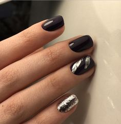 Adding some glitter nail art designs to your repertoire can glam up your style within a few hours. Check our fav Glitter Nail Art Designs and get inspired! Black Manicure, Black Acrylic Nails, Black Nail Art, Manicure Y Pedicure, Glitter Nail Art, Black Nails, Nail Art Designs, White Nail Designs, Simple Nail Designs