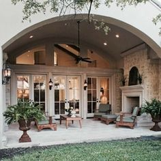 As a homeowner, you have the luxury of creating indoor and outdoor living areas to enjoy. Adding or replacing your patio can improve the beauty and functionality of your yard. However, you need to choose the right patio design ideas to incorporate into. Patio Design, Exterior Design, House Design, Floor Design, Style At Home, Quonset Hut Homes, Cabin Homes, Outside Living, Backyard Patio