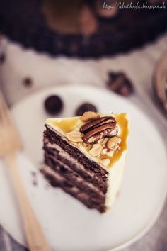 ... chocolate peanut butter cake with caramel and white chocolate frosting ...
