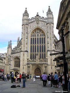 Entrada principal de la Abadía de Bath, fundada en el siglo VII.
