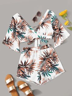 To find out about the Tropical Kimono Crop Top & Shorts at SHEIN, part of our latest Two-piece Outfits ready to shop online today! Teenage Outfits, Cute Girl Outfits, Cute Summer Outfits, Cute Casual Outfits, Pretty Outfits, Girls Fashion Clothes, Teen Fashion Outfits, How To Have Style, Pom Pom Shorts