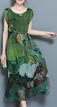 49% OFF! US$38.99 Women Vintage Printed Short Sleeve Mid-Long Dresses. SHOP NOW!