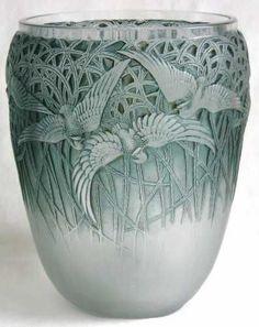 ♔ Aigrettes Vase 1926 ~ René Lalique