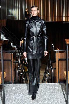 Emilia Wickstead Fall 2020 Ready-to-Wear Fashion Show - Vogue Couture Fashion, Hijab Fashion, Runway Fashion, London Fashion, Fashion Trends, Vogue Paris, Emilia Wickstead, Vogue Russia, Models