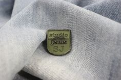 www.estadavelasquuez.com   #plaques #metal accesories #buttons #metalbutton…