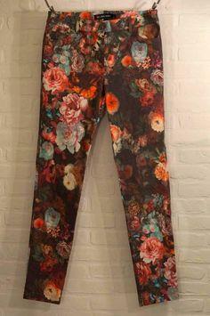 Hart, Harem Pants, Fashion, Moda, Harem Trousers, Fashion Styles, Fashion Illustrations, Fashion Models