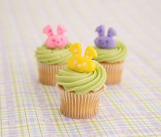 Bunny face cupcake toppers!