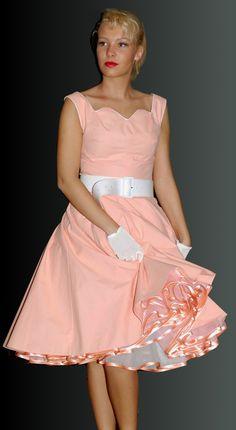 Kleider nach original 50er Jahre Schnitt von mir gefertigt Ballet Skirt, Skirts, Design, Fashion, The Fifties, World, Gowns, Moda, Skirt