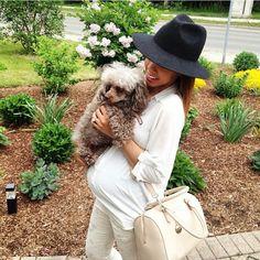 Snuggles from @peeksatfiveft's fur baby + bump! #preggonista #maternitystyle #maternityfashion #pregnancystyle