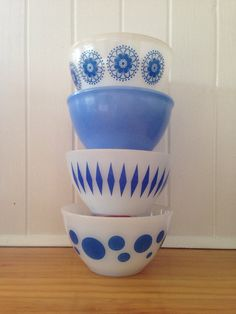 Agee/crown tiny blue bowls