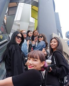 Japanese Girl Group, Entertaining, Happy, Instagram, Happiness, Style, Celebs, Swag, Bonheur