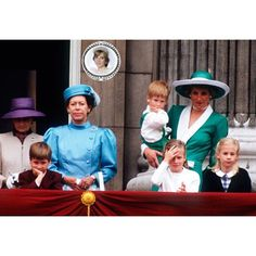 11 June 1988 : Prince Charles and Princess Diana and their children Prince William and Harry with the Royal family on the balcony of Buckingham Palace at the Trooping of the Colour Parade.