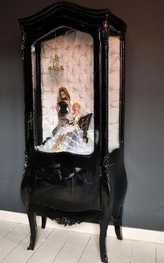 doll display