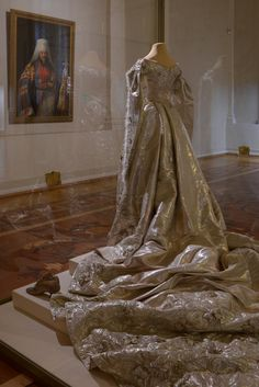 The amazing and outstanding gown belonged to Alix - today it is saved in The Hermitage, St Petersburg ~