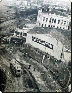 Taksim before the Tarih ve Nostalji History & Retro – En Güncel Araba Resimleri Vintage Architecture, Architecture Photo, Old Pictures, Old Photos, Istanbul Pictures, Historical Pictures, Istanbul Turkey, Old City, Best Cities