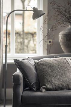 Poef velours vintage vloerkleed ton sur ton interieur for Hoffz interieur nl