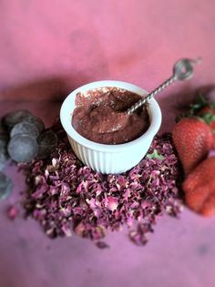 DIY: chocolate covered strawberry face mask