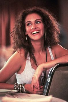 Julia Roberts Back to the 90s  beauty trend http://inspiredbymuses.wordpress.com/2013/03/27/beauty-trend-90s-are-back/