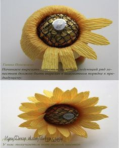 Sunflowers made of sweets and corrugated paper. Candy Bouquet Diy, Gift Bouquet, Paper Bouquet, Candy Flowers, Diy Flowers, Chocolate Flowers Bouquet, Candy Arrangements, Edible Bouquets, Candy Crafts